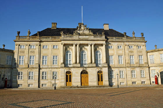 Christian_VII_Mansion_Amalienborg.jpg